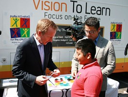 Vision To Learn Donates Almost 100 Prescription Eye Glasses to Low-Income Students at Para Los Niños Elementary School