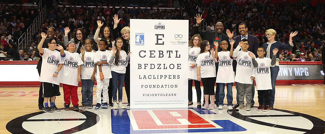 Vision-To-Learn-at-LAClippers-game-photo-by-Varon-P-Bucks