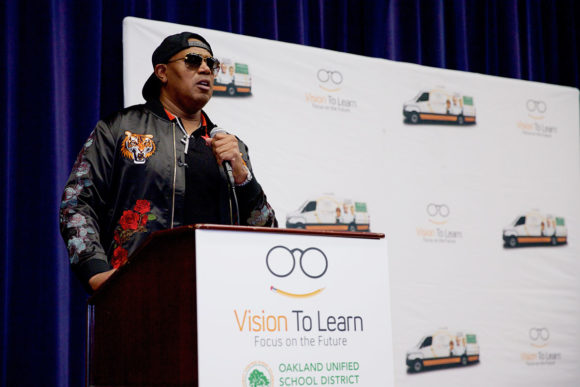 Percy (Master P) Miller speaks to students at Oakland High School.