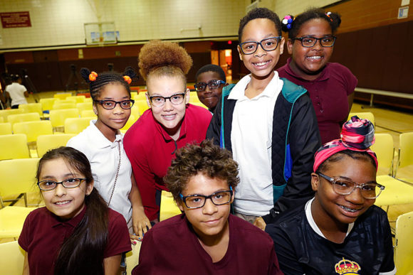 Students in Pittsburg receive new glasses
