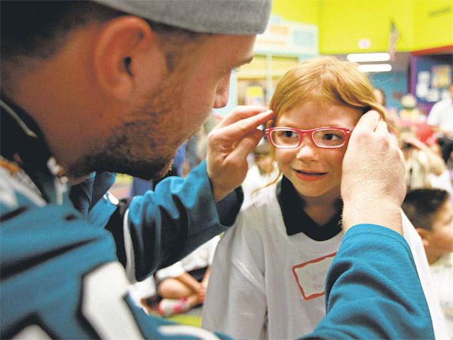 San Jose Sharks provide elementary students with free eye exams and glasses